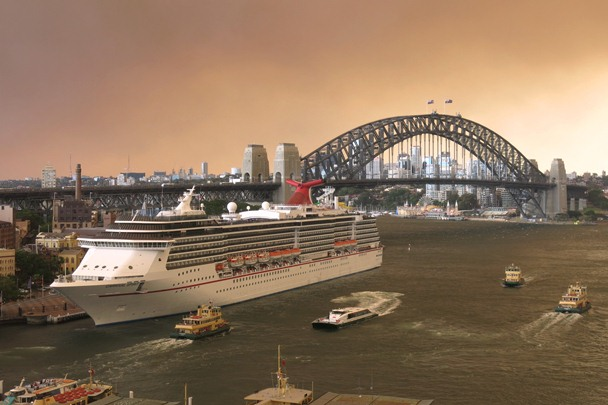 Sydney_Harbour-Glowing_Bushfires