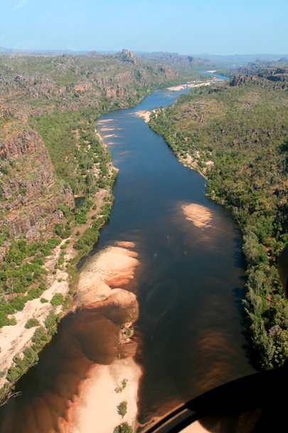 Jabiru_Flight_2011_0120-East_Alligator_River