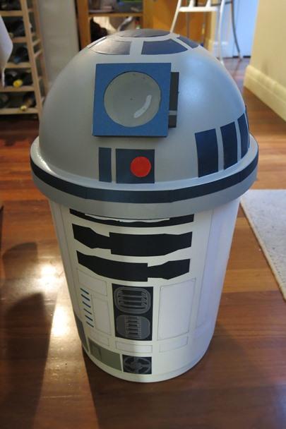 SW_Party_R2-D2_20150912_0021
