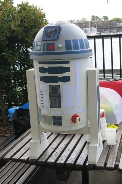SW_Party_R2-D2_20150919_0030